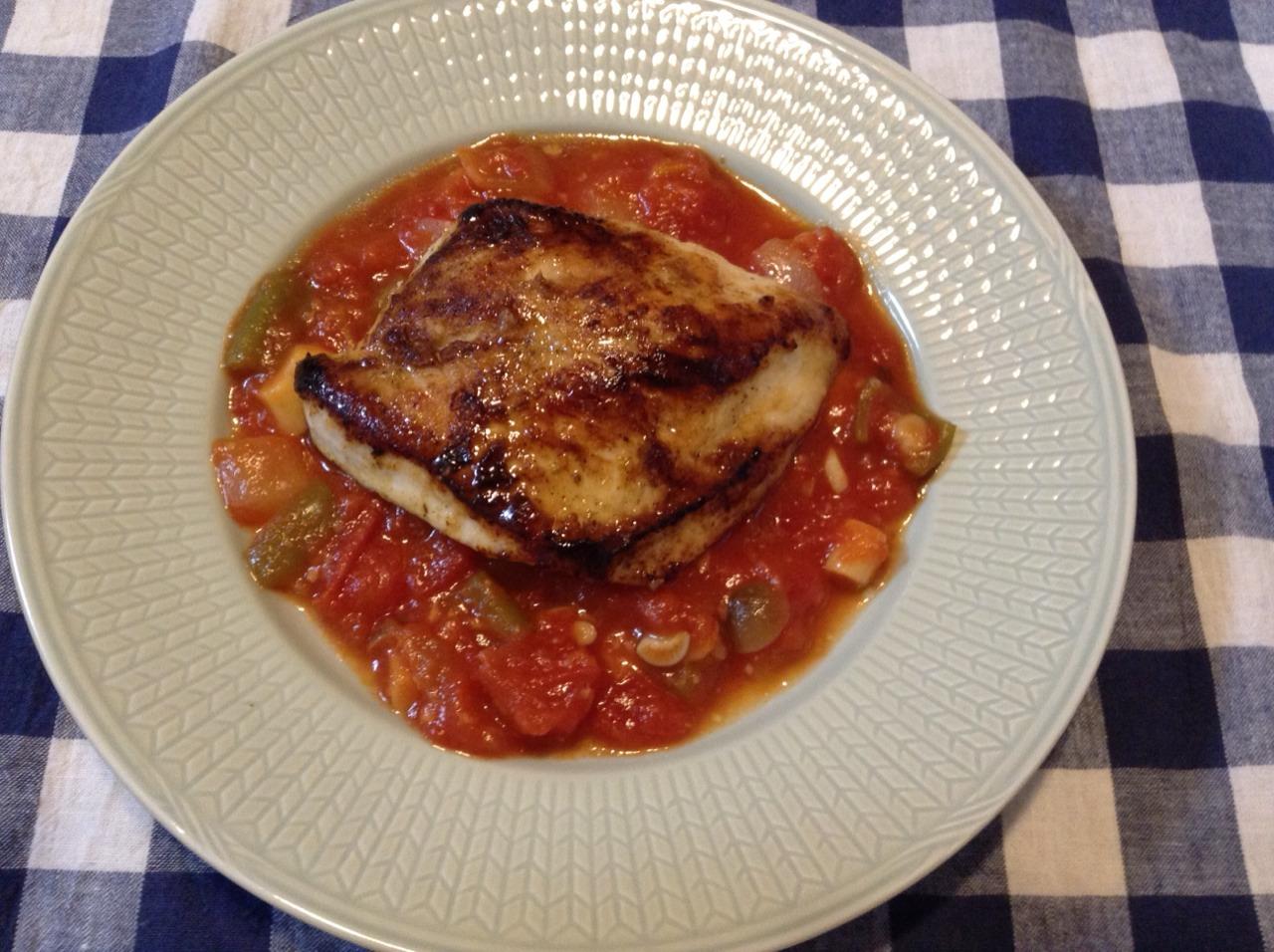 鶏むね肉のソテー トマトソースがけ