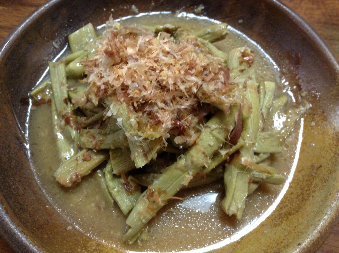 イタドリの醤油糀炒め