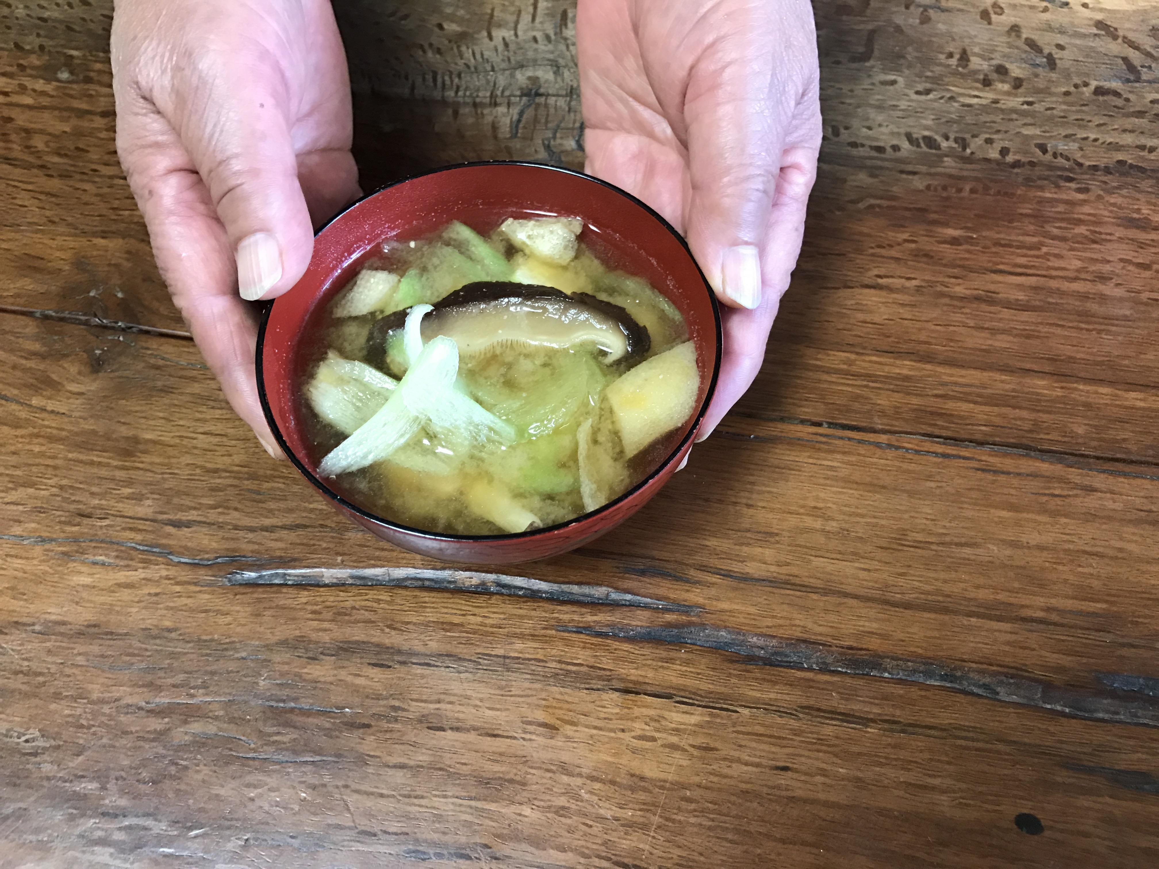 お味噌汁の取材。