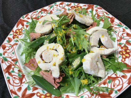 塩糀で仕込む鶏ハムを使ったサラダ